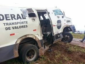 carros_fortes_roubados_na_BR_153