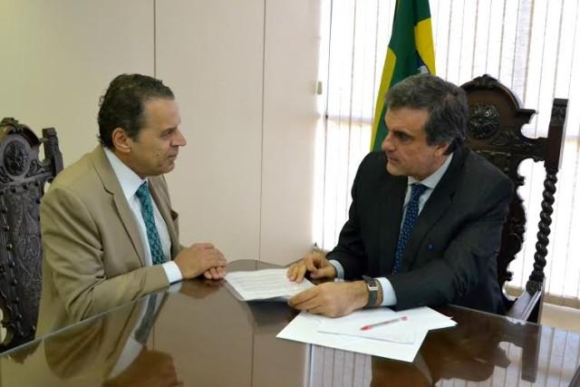 Henrique Alves tem apoio do ministro da Justiça para isentar vistos americanos